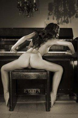 20091028020046-piano.jpg