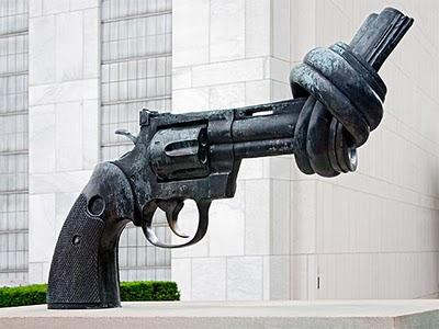 20110101211218-gun.jpg