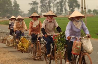 20110417214548-movingreport-vietnam-hanoi.jpg