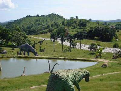 20081211090510-parque-prehistoria-santiago.jpg