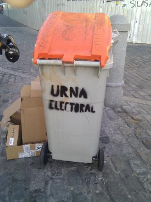 20110521000654-urna.jpg